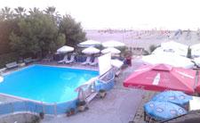 Pool und Strand vom Hotel Oaz