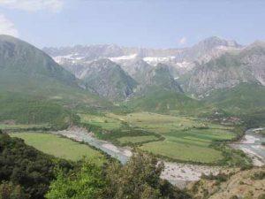 Entlang der Vjosa Fluss - Unterwechs Permet - Korce, Albanien